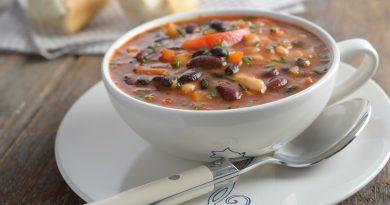 суп фасолевый с копченостями