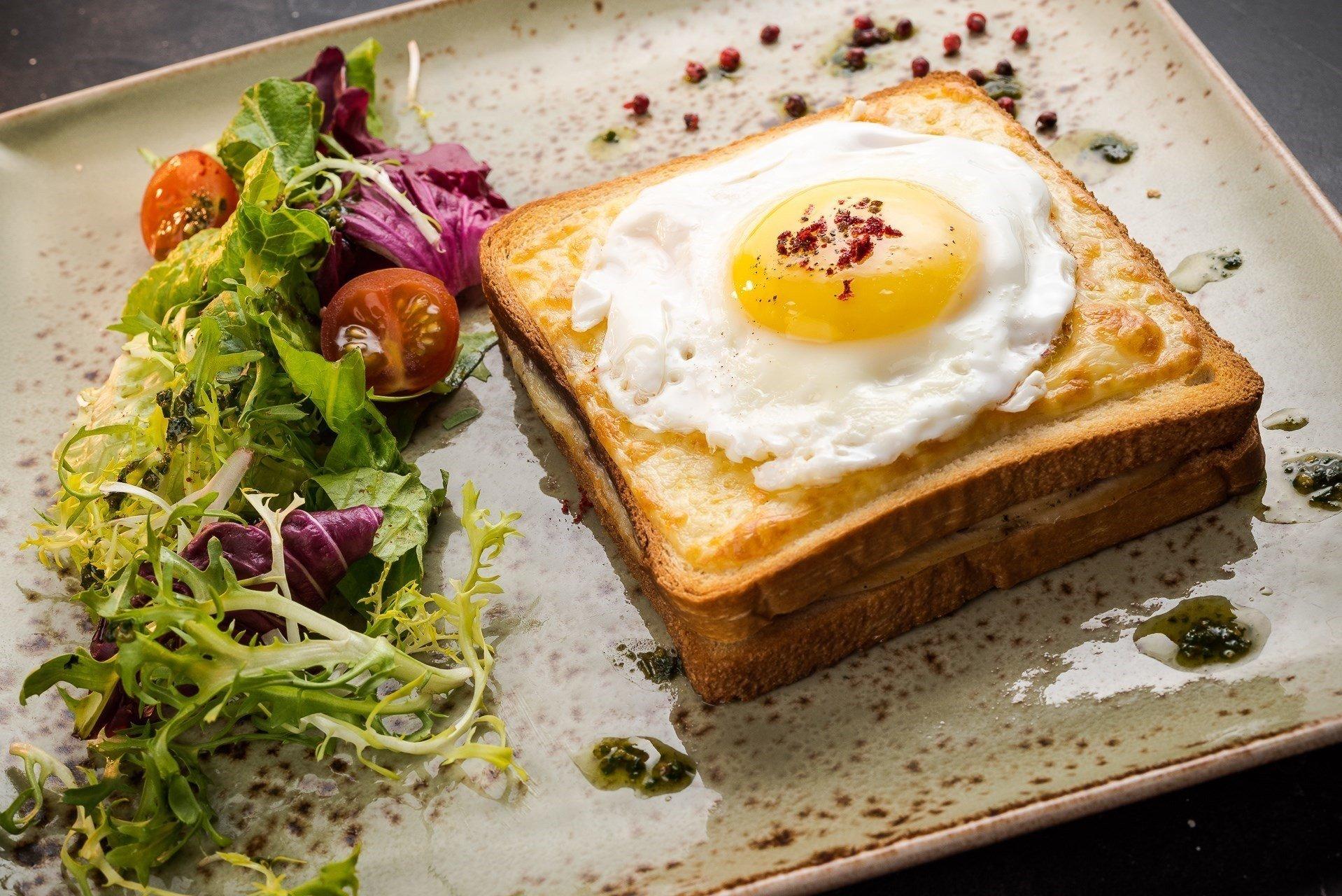 рецепты яичницы на завтрак с фото любителям оригинальных закусок