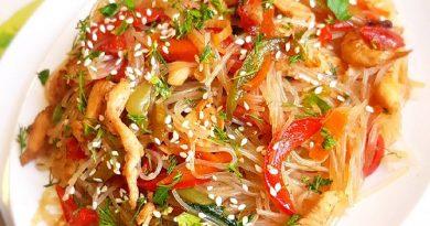 фунчоза с курицей и овощами рецепт с соевым соусом в сковороде пошаговый
